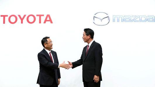 Toyota, Mazda si Denso vor sa dezvolte impreuna masini electrice