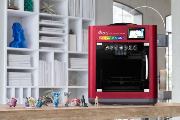 XYZPrinting anunta imprimanta 3D full-color de 3000 de dolari