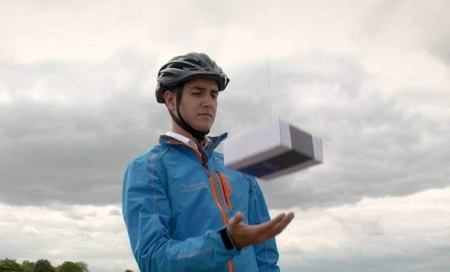 DelivAir foloseste drona pentru a livra oamenilor, nu adreselor