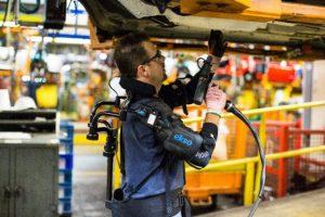 Ford testeaza un exoschelet pentru muncitorii sai din fabrici