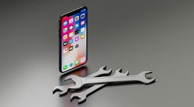 Niste elevi spun ca au lucrat ilegal peste program pentru a-l asambla pe iPhone X
