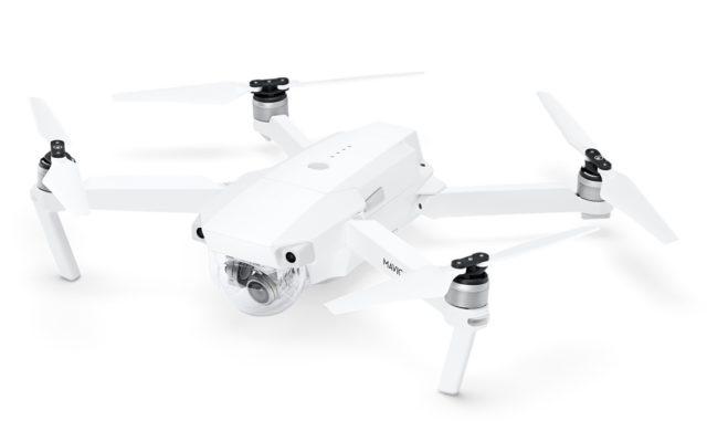 Noua drona a DJI este disponibila exclusiv la Apple