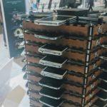 Samsung transforma 40 de telefoane Galaxy S5 intr-o platforma Bitcoin de minerit