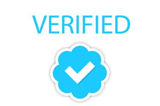 Twitter revoca bifa albastra de verificare pentru anumite conturi