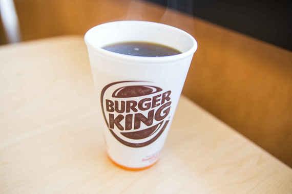 Alege cafeaua numai in pahar de carton