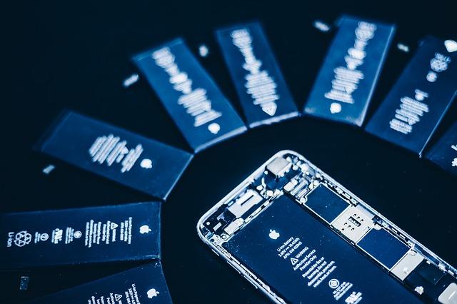Inlocuirea bateriei de pe iPhone-urile vechi ar creste performanta si frecventa procesoarelor