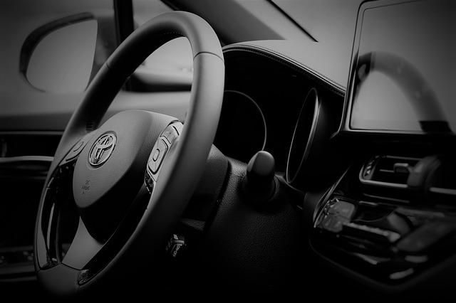 Toyota si Panasonic formeaza o echipa pentru dezvoltarea de baterii pentru masinile electrice