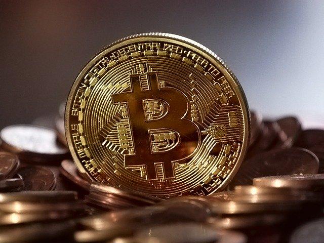 Un Bitcoin are acum un pret de 10.000 de dolari. Si inca mai poate creste