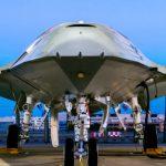 Noul avion fara pilot al Boeing alimenteaza avioanele de lupta in zbor