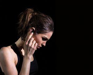 Project Ears al Bragi ii ajuta pe oamenii cu probleme de auz