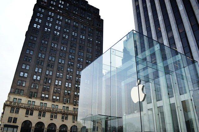 Apple ar putea deveni prima companie de 1000 de miliarde de dolari in 2018