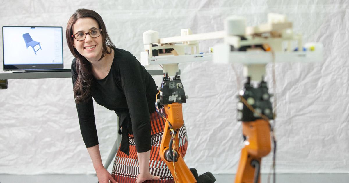 MIT dezvolta un robot tamplar care poate produce mobilier personalizat