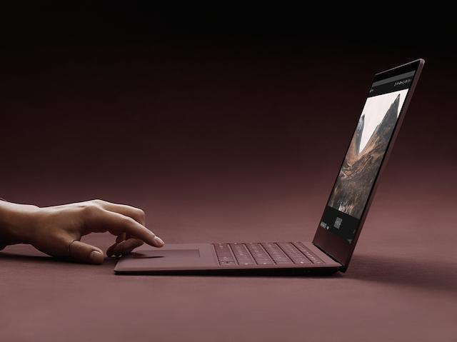 Microsoft vinde acum Surface Laptop la un pret de 799 de dolari
