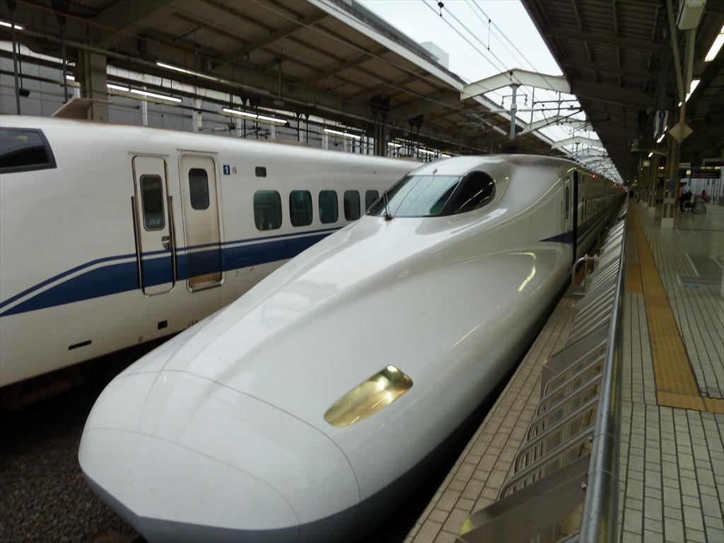 3. Trenurile din Japonia sunt cele mai punctuale din lume si au o intarziere medie de numai 18 secunde