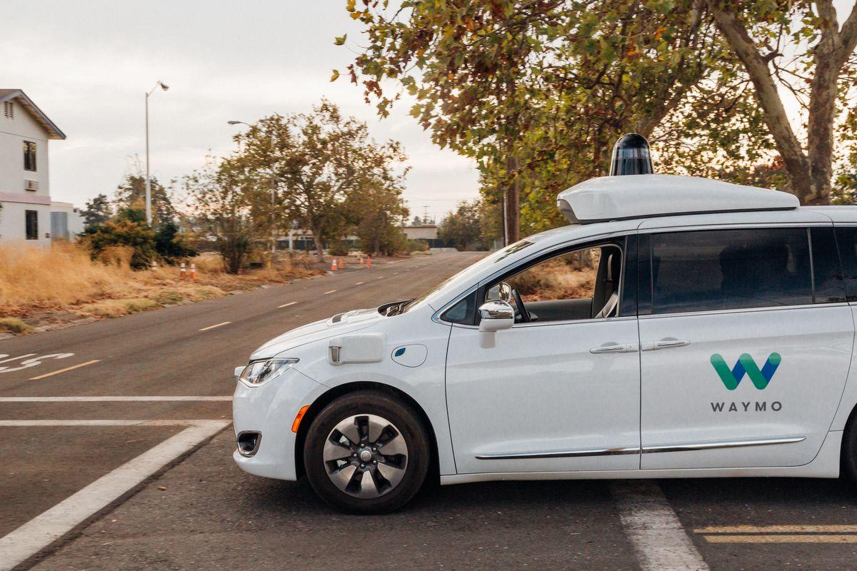 CEO-ul Waymo spune ca masinile sale fara sofer ar fi evitat accidentul Uber