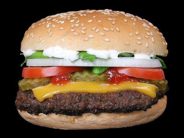 Robotul Flippy ocupa jobul de intoarcere a burgerilor