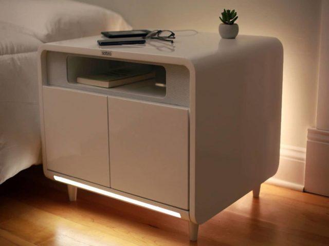 Sobro vine cu o noptiera inteligenta pentru pat - Smart Side Table