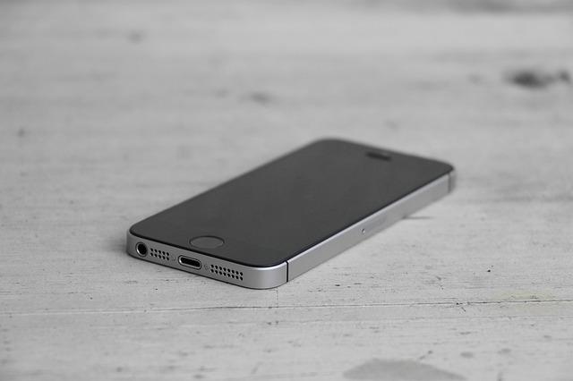 Telefonul iPhone SE 2 ar putea fi fabricat exclusiv in India