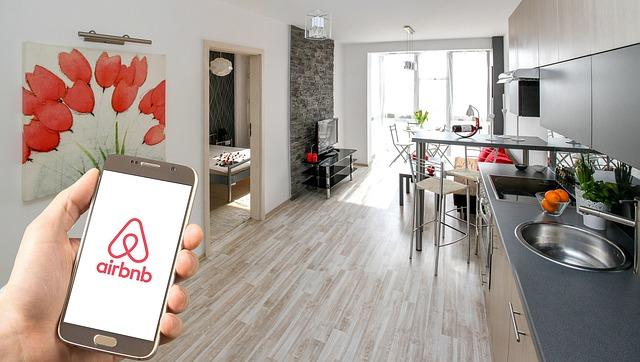 Airbnb incepe sa distribuie informatii despre gazde guvernului din China