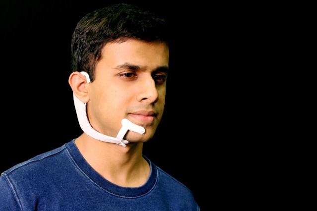 Cercetatorii creeaza un dispozitiv purtabil care poate auzi ce e in capul tau