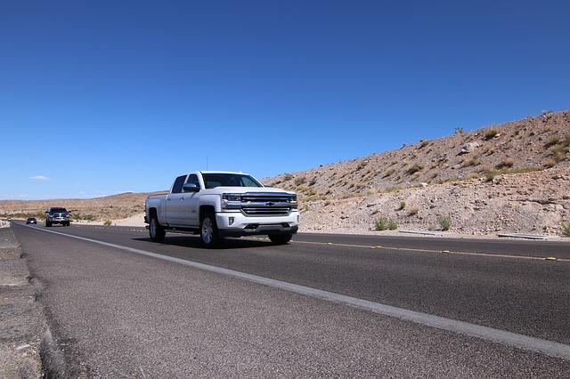 Chevrolet le permite soferilor sa plateasca combustibilul stand chiar in masini