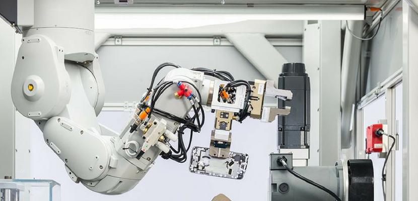 Apple dezvaluie Daisy, noul sau robot de reciclare de iPhone-uri