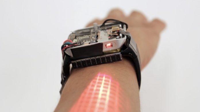 Ce pret are LumiWatch care iti transforma bratul intr-un ecran touchscreen