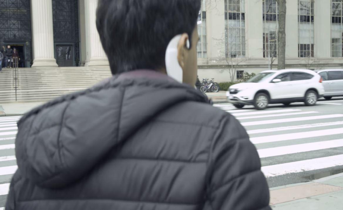 Cum iti permite AlterEgo sa controlezi dispozitive inteligente ca un cyborg