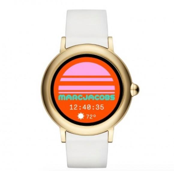 Ce preturi are primul smartwatch Wear OS al Marc Jacobs
