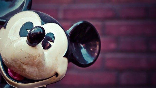 De ce felicita Comcast compania Disney