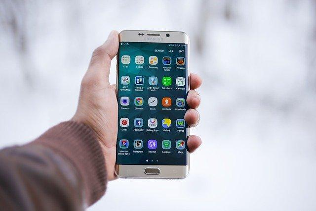 Problema grava O aplicatie Samsung trimite mesaje aleatorii fara stirea utilizatorilor