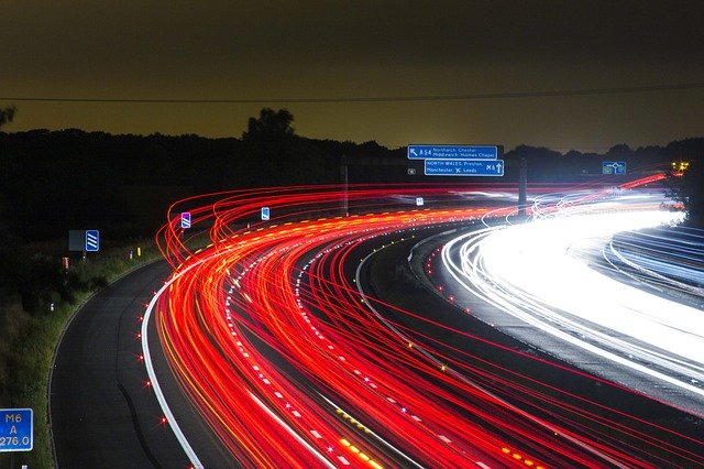 Ce distanta au parcurs masinile autonome Waymo in total pe drumurile publice