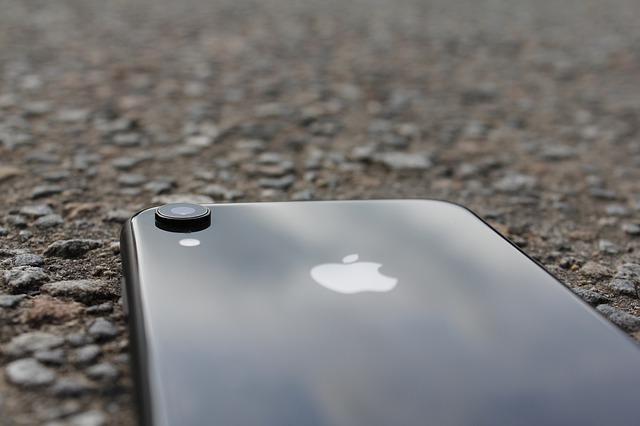 Cum ar putea suporta noile iPhone-uri incarcare wireless mai rapida