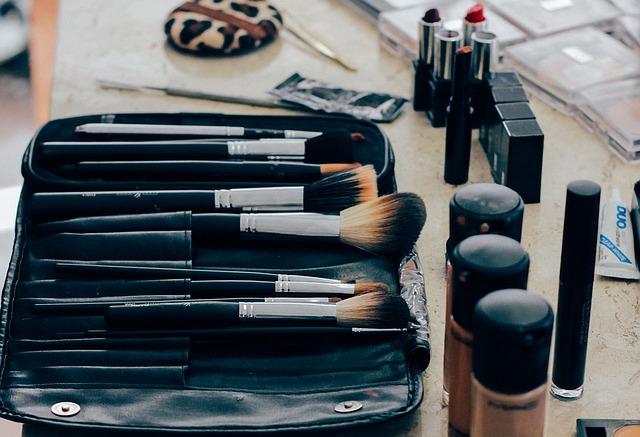 De ce L'Oreal vine cu o experienta de make-up in AR