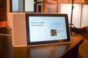 Ce preturi are Lenovo Smart Display cu Google Assistant