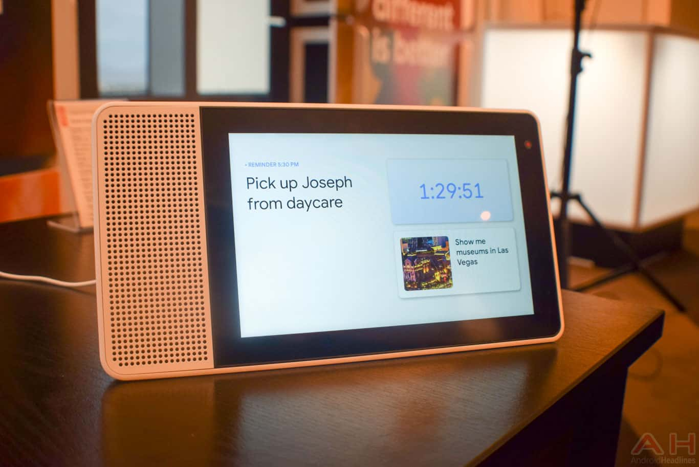 Ce preturi are Lenovo Smart Display cu Google Assistant