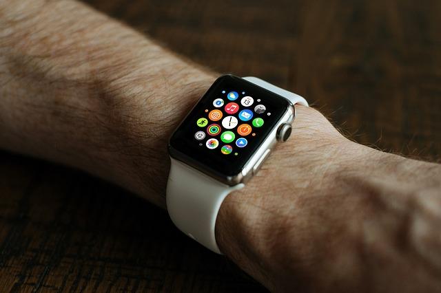 Cu cat au crescut veniturile din dispozitivele purtabile ale Apple