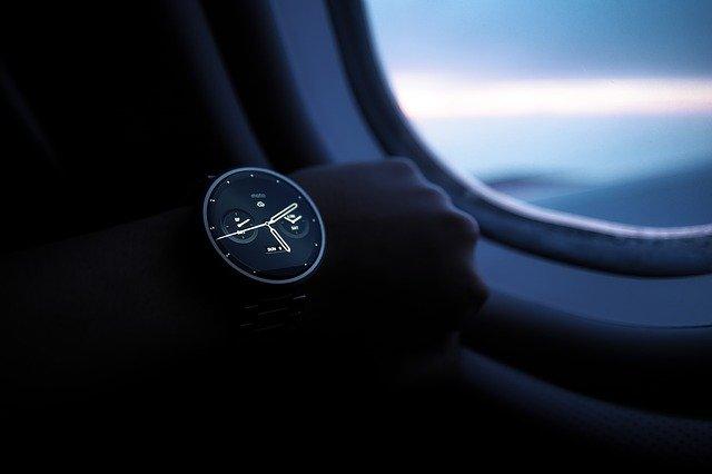 Ce pret are noul smartwatch hibrid LG Watch W7