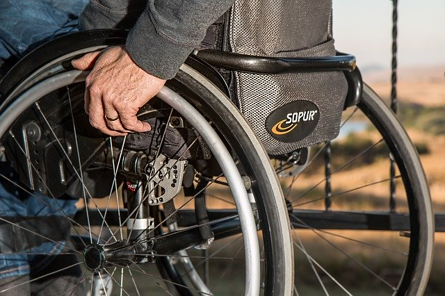 Ce solutie a aparut pentru cei paralizati din cauza lezarii maduvei spinarii
