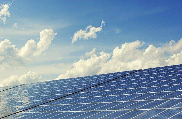 In ce an vrea Facebook sa foloseasca energie regenerabila in proportie de 100%