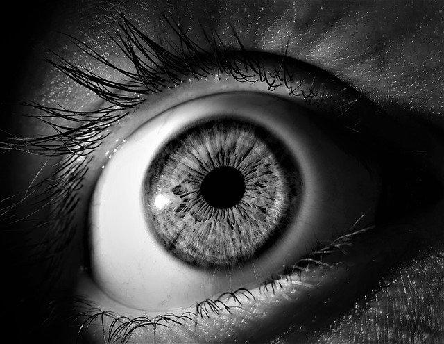 La ce sunt utile niste noi microace care se dizolva in ochi