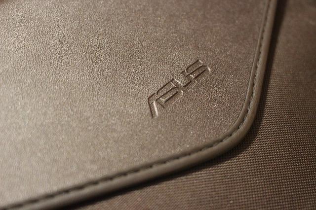 Laptopurile ASUS ZenBook 13, 14 si 15 sunt oficiale - specificatii