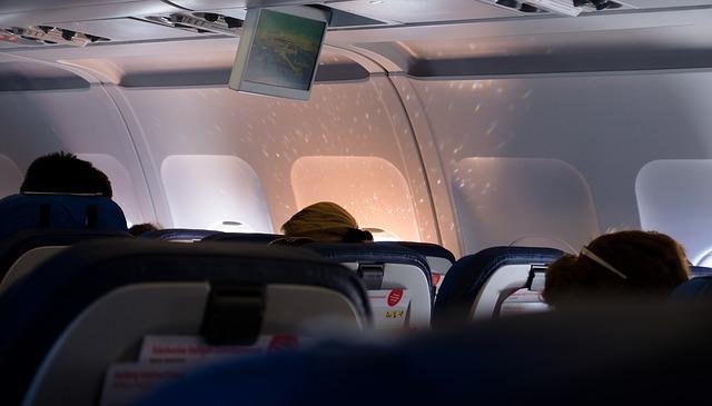 Ce companie aeriana ofera filme VR pentru pasageri in timpul zborului