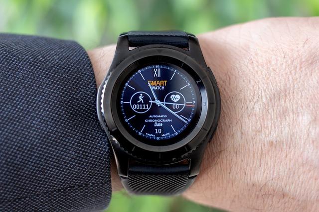 Ce numar de americani vor avea smartwatch-uri in 2019