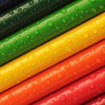 Cate creioane colorate au fost necesare pentru a crea aceasta chitara