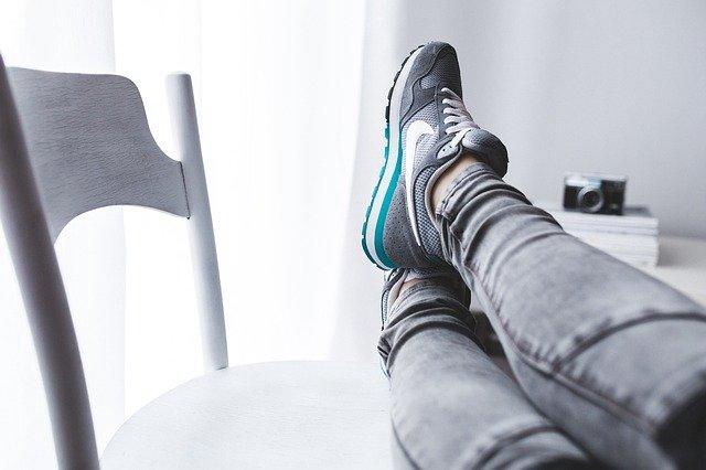 Cum vei putea controla mai nou adidasii Nike care-si strang sireturile