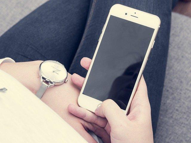 Pentru cine ar fi util iPhone-ul si smartwatch-ul Apple Watch care detecteaza gazele otravitoare