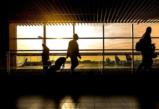 Cum a afectat o drona aeroportul Dubai International