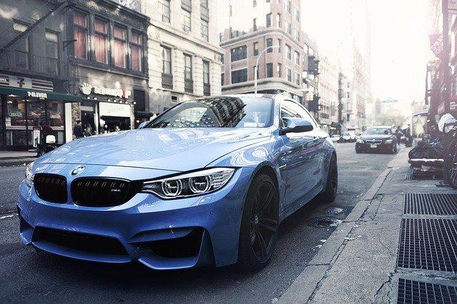 De ce masinile hibride BMW vor putea trece pe modul electric in mod automat