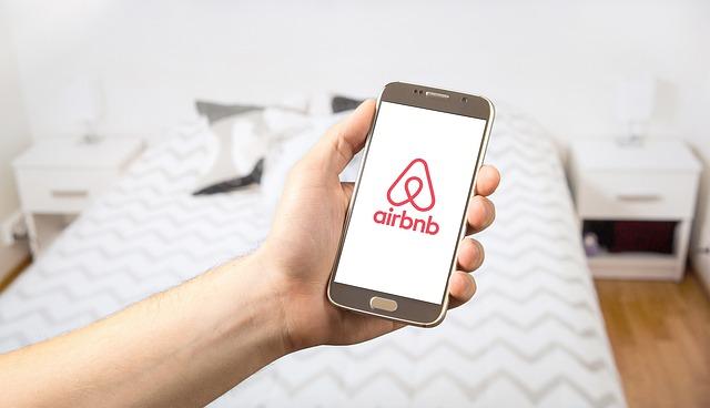 Ce mare companie hoteliera a fost depasita de Airbnb in 2018